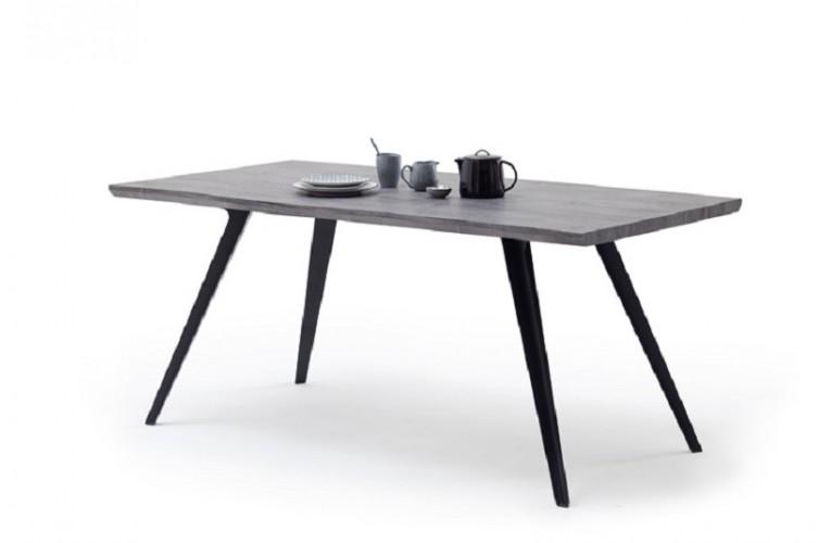 Τραπέζι 24