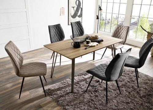 Τραπέζι 8